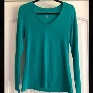Tops - Long sleeve v-neck tee